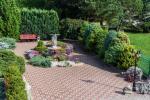 Prywatny dziedziniec z ogrodem, miejsce do biesiadowania, zadaszenie, plac zabaw dla dzieci, parking wiele - 7