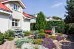 Prywatny dziedziniec z ogrodem, miejsce do biesiadowania, zadaszenie, plac zabaw dla dzieci, parking wiele - 9