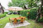 Dom, podwórze, meble ogrodowe, miejsce parkingowe - 5