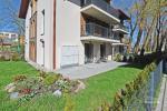 2-pokojowe mieszkanie z prywatnym dziedzińcem w centrum Połągi. Ul Ganyklu 12 - 2